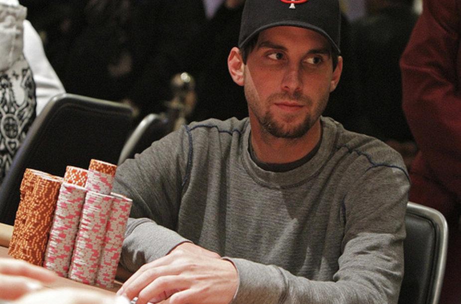 """Pokerio profesionalas Kyle Juliusas vėl sužibėjo """"Sunday Million"""" turnyre"""