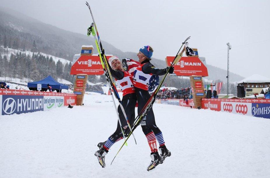 Čempionėmis tapo JAV slidininkės Jessica Diggins ir Kikkan Randall.