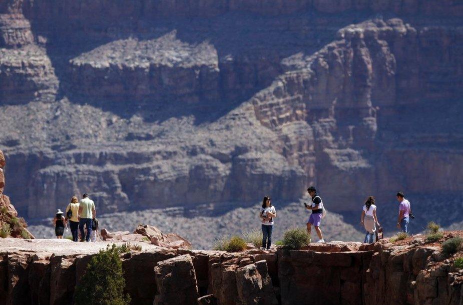 Turistai Didžiajame kanjone