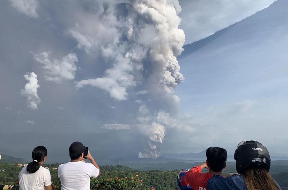 Ugnikalnio išsiveržimas Filipinuose