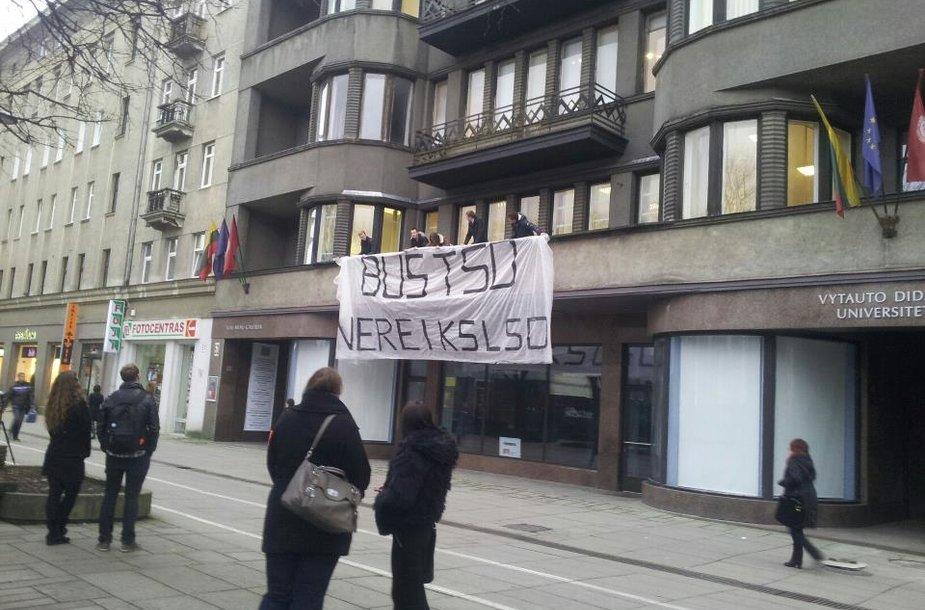 Plakatas, kviečiantis studentus į TSD renginius.