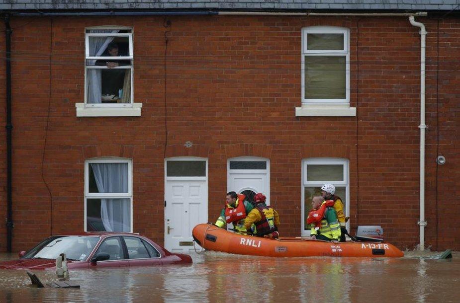 Potvynis Didžiojoje Britanijoje.