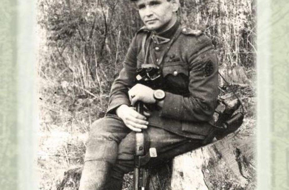 """Knyga """"Partizano keliu: partizano Juozo Paliūno-Ryto prisiminimai"""""""