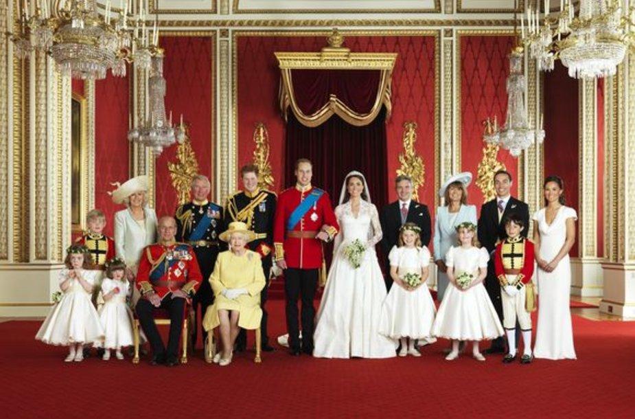 Oficiali karališkų vestuvių nuotrauka