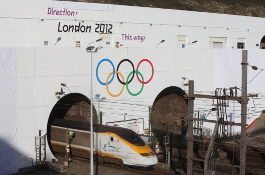 Keliaujančius Eurotuneliu dar Prancūzijoje pasitinka žinia apie artėjančias Londono olimpines žaidynes