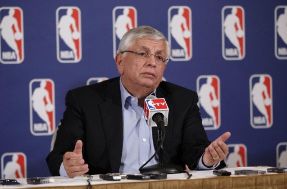 NBA komisaras Davidas Sternas paskelbė apie lokauto pradžią