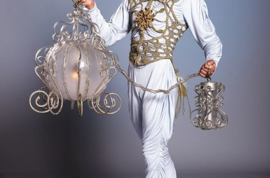 """""""Cirque du Soleil"""": baltasis angelas"""