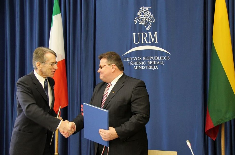 Lietuvos užsienio reikalų ministras Linas Linkevičius su Italijos užsienio reikalų ministru Giulio Terzi di Sant'Agata