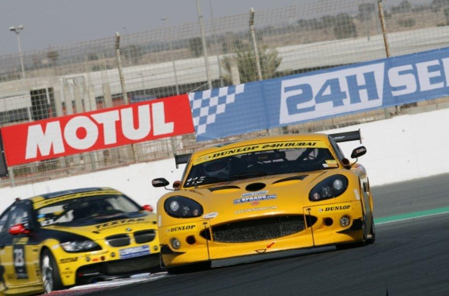 Dubajaus 24 valandų lenktynės 2012