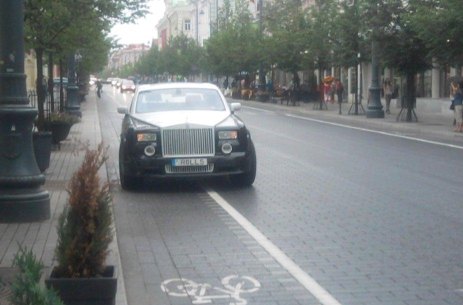 """Rolls-Royce Phantom"" Gedimino pr."