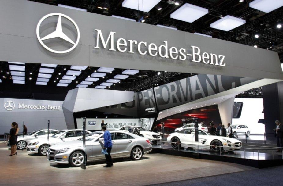 """""""Mercedes-Benz"""" stendas"""