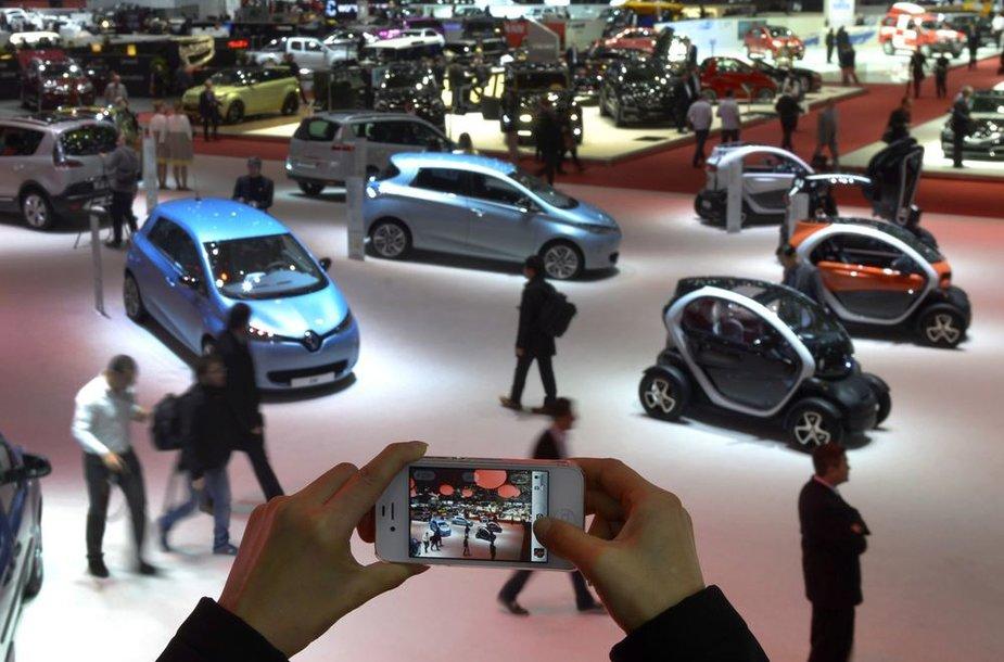 Ženevos automobilių paroda 2013