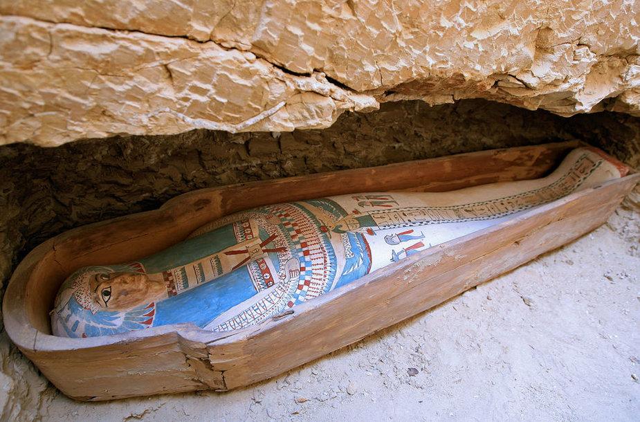 Tokiuose sarkofaguose buvo guldomos egiptiečių mumijos
