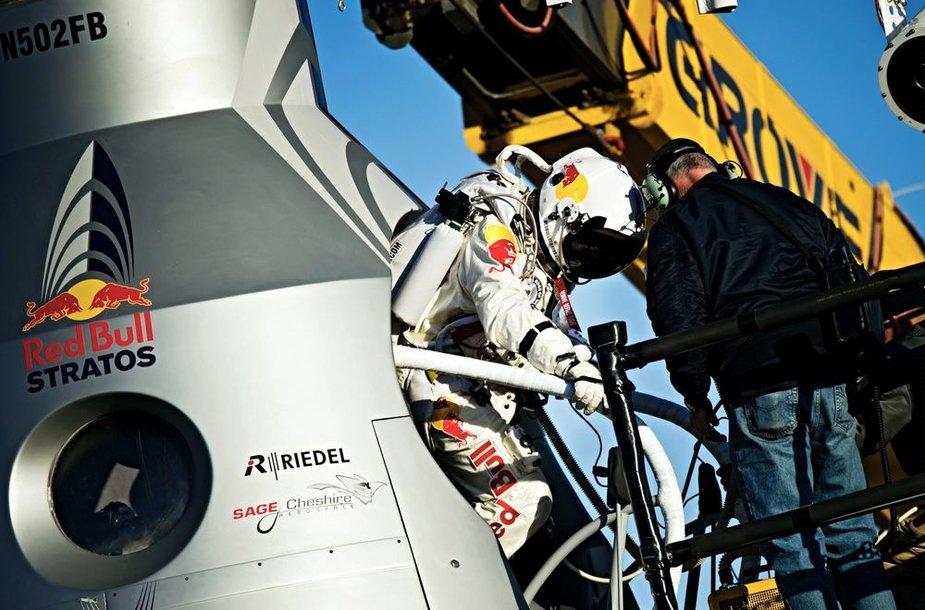 Austrijos šuolininkas parašiutu Felixas Baumgartneris