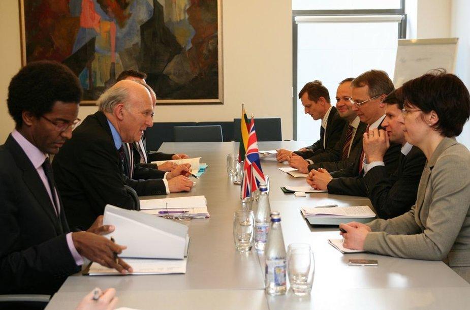 Viceministrų susitikimas su Didžiosios Britanijos verslo sekretoriumi