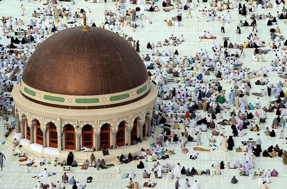 Mekoje renkasi musulmonų maldininkai