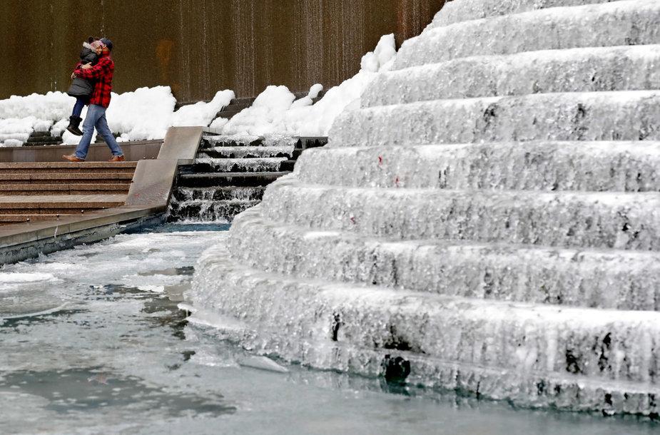 Užšalęs fontanas Atlantoje