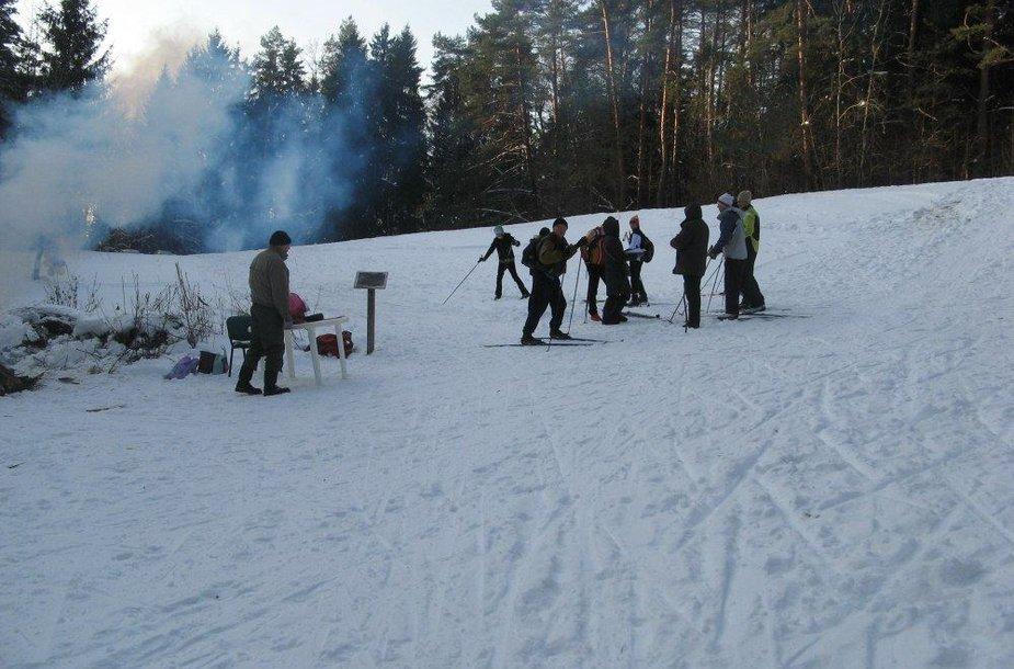 Slidininkus piktina Verkių miškuose jų trasomis važinėjantys keturratininkai.