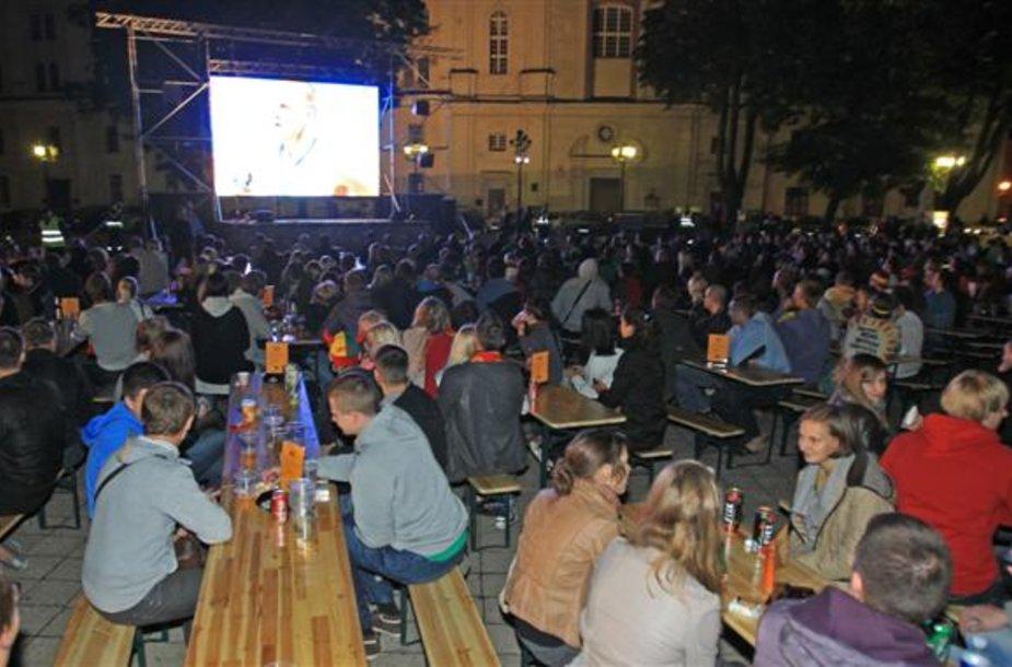 Tik lietuvių rungtynes stebi keli tūkstančiai žiūrovų