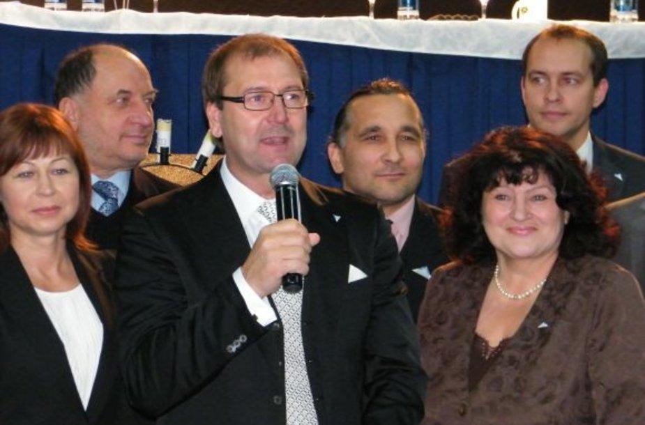 V.Uspaskichas šeštadienį pristatė kandidatus vienmandatėse apygardose.