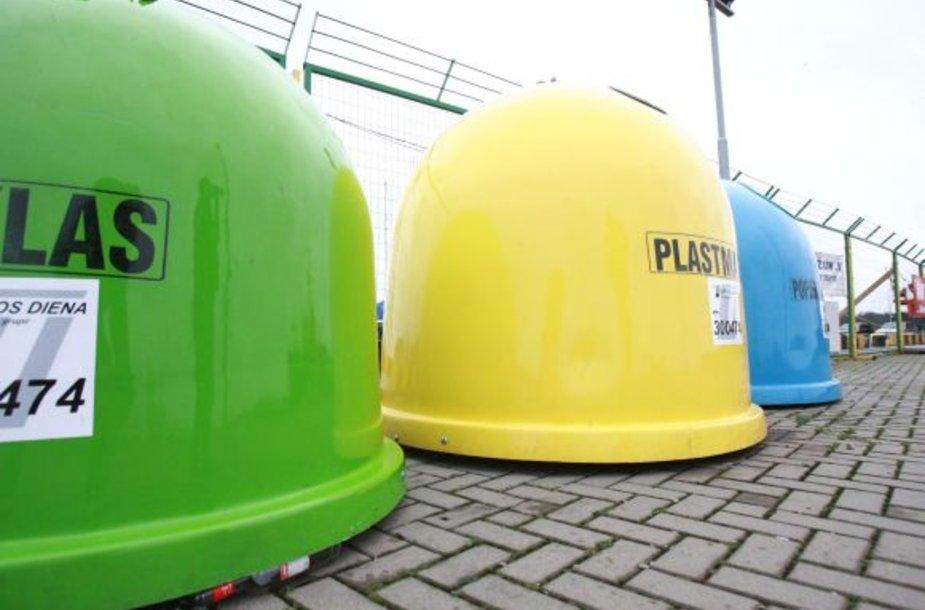 Iki metų pabaigos mieste atsiras dar daugiau spalvotų rūšiavimo konteinerių.