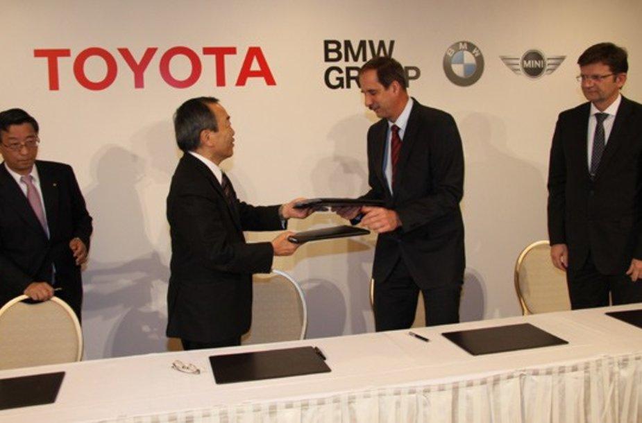 """BMW ir """"Toyota"""" kurs ličio jonų bateriją"""