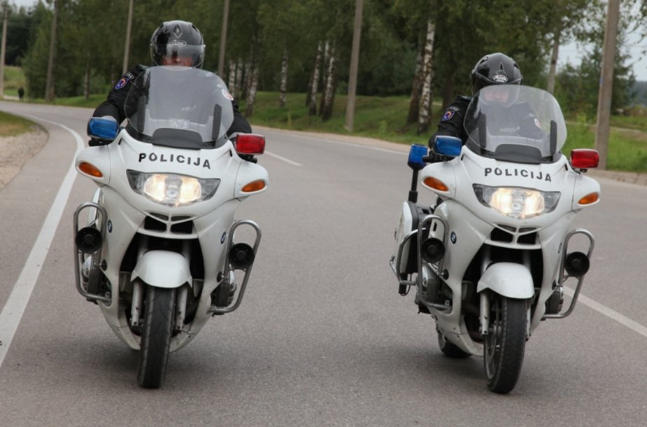 Policijos patruliai su motociklais
