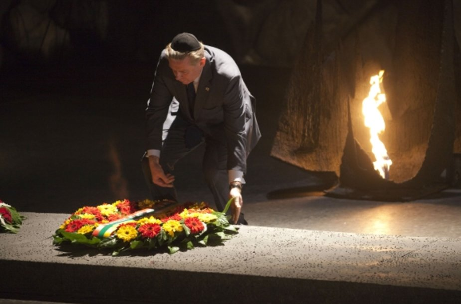 Lithuanian Foreign Minister Audronius Azubalis lays a wreath at the Hall of Remembrance during a visit to the Yad Vashem Holocaust memorial in Jerusalem on March 4, 2012.