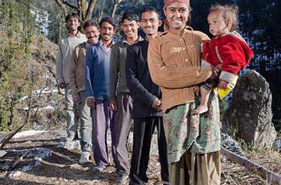 Radha Verma ir penki jos vyrai