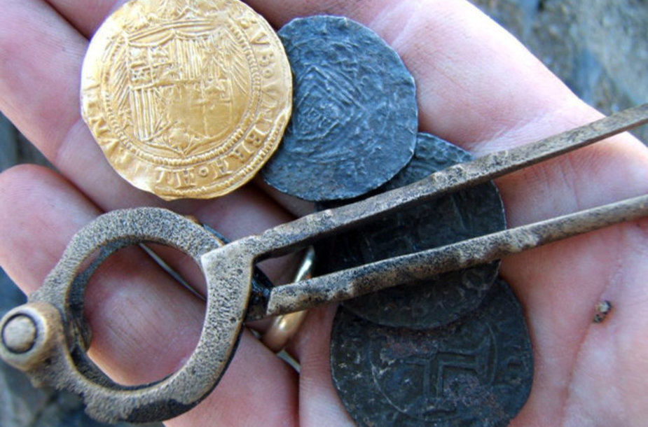 Испанские и португальские золотые и серебряные монеты