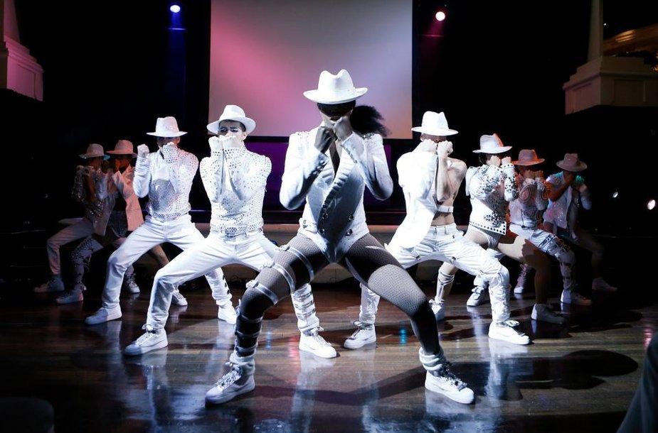"""""""Cirque du Soleil"""" šou """"Michael Jackson ONE"""""""