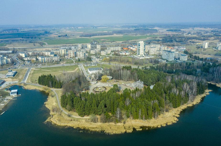 Parko ir gyvenvietės panorama