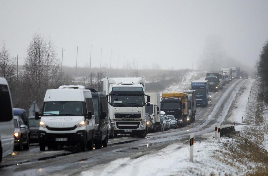 Tragedija Vilniaus rajone: per avariją žuvo trys jauni žmonės