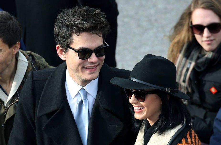 Dainininkai Johnas Mayeris ir Katy Perry