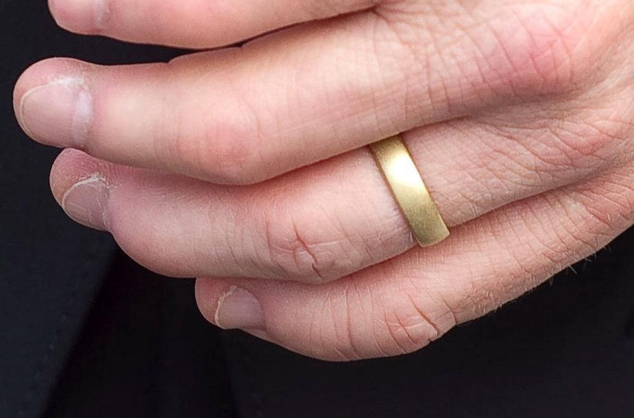 Alaino Golay vestuvinis žiedas