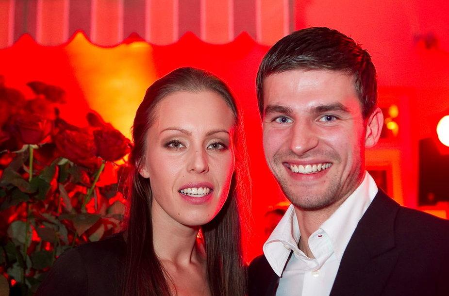 Vaida Grikšaitė-Česnauskienė su broliu Viliumi