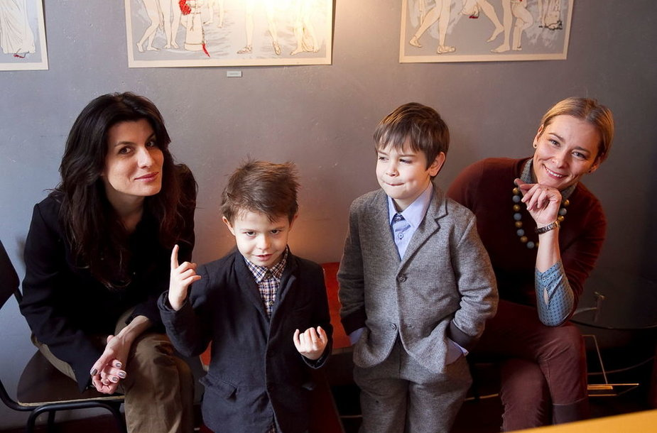 Renata Mikailionytė su sūnumi Justu ir Jurga Lago su sūnumi Luku