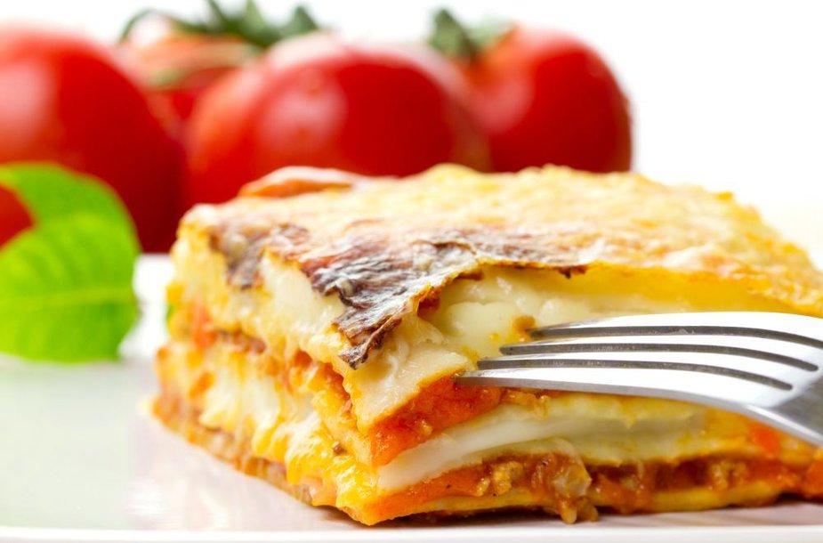 Makaronų apkepas su trijų rūšių sūriu