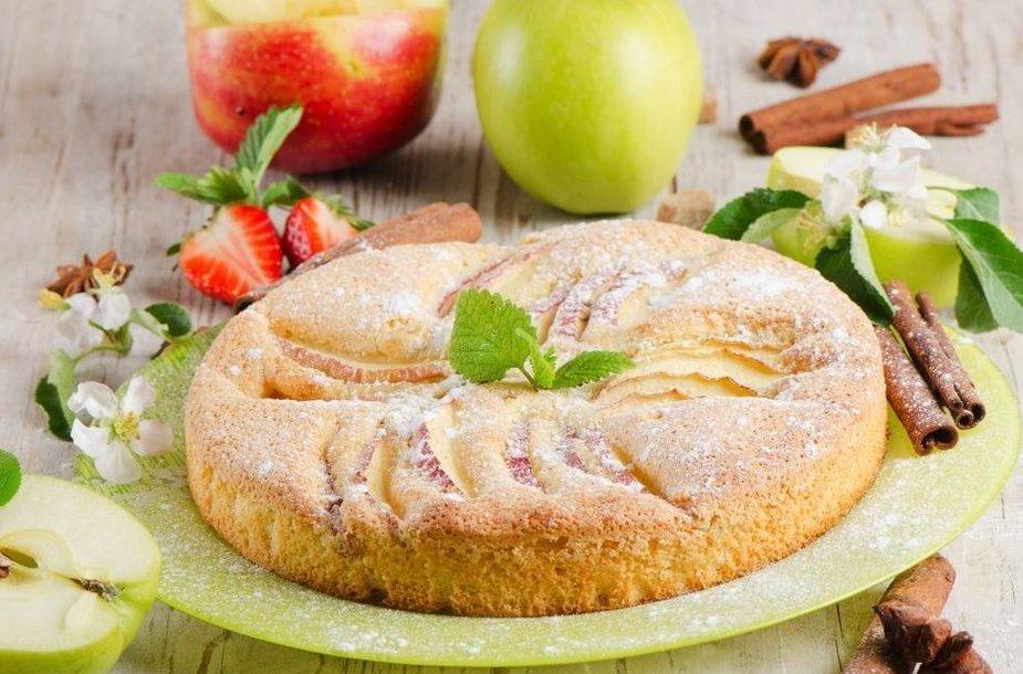 Angliškas obuolių pyragas