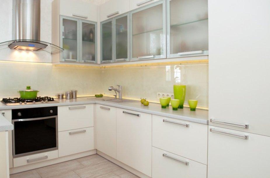 Baltos virtuvės spintelės