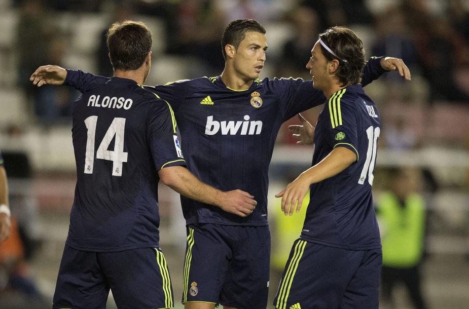 Xabi Alonso, Cristiano Ronaldo ir Mesutas Ozilas