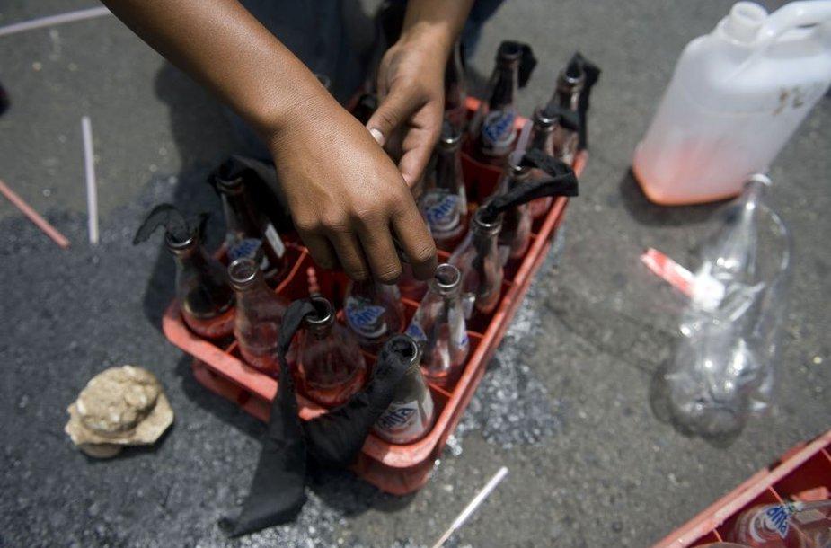 Molotovo kokteiliai