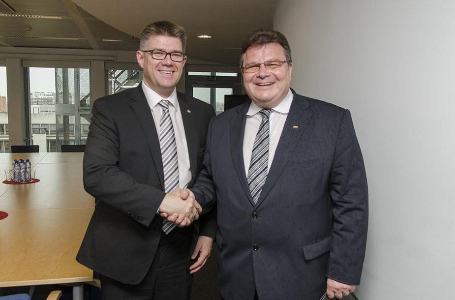 Linas Linkevičius su Islandijos užsienio reikalų ministru Gunnaru Bragiu Sveinssonu