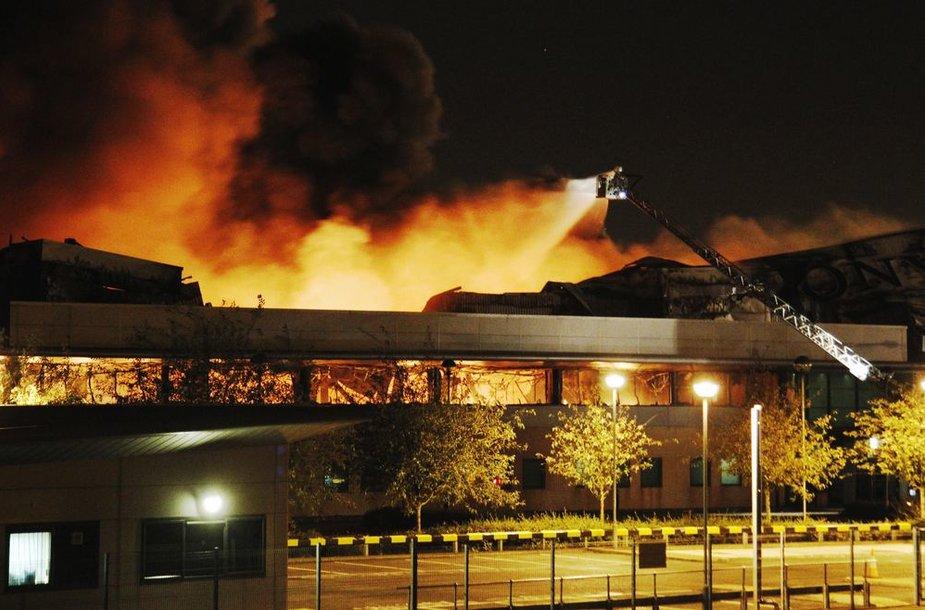 """Sony"" sandėlio gaisras Londone"