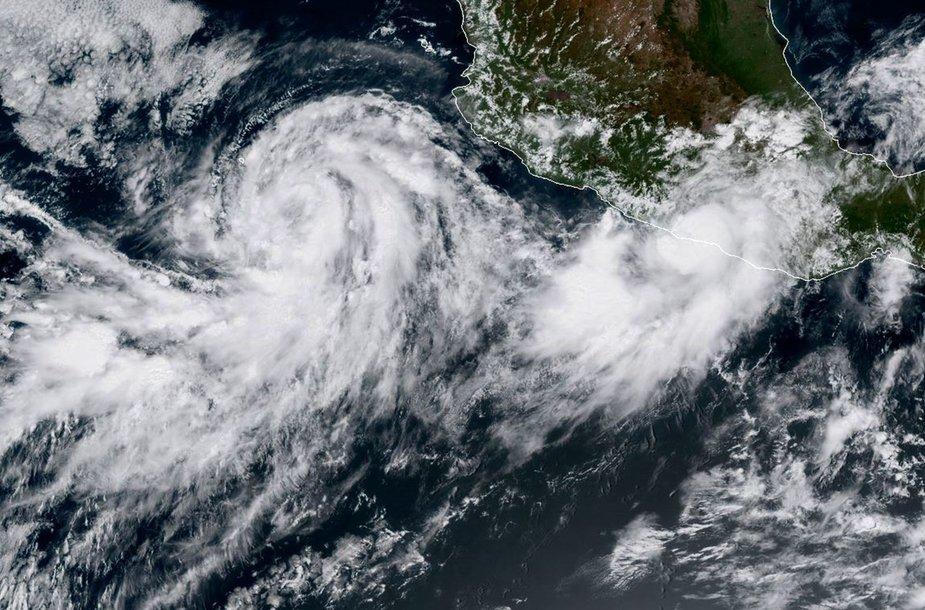 Audros Max ir Norma. Ketvirtadienį daryta palydovo nuotrauka