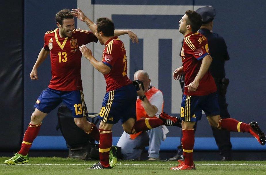 Ispanai džiaugiasi Juano Matos įvarčiu.