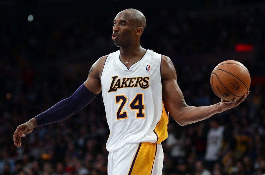 """Kobe Bryantas pelnė 39 taškus, tačiau tai neišgelbėjo """"Lakers"""" nuo pralaimėjimo """"Rockets"""" komandai"""