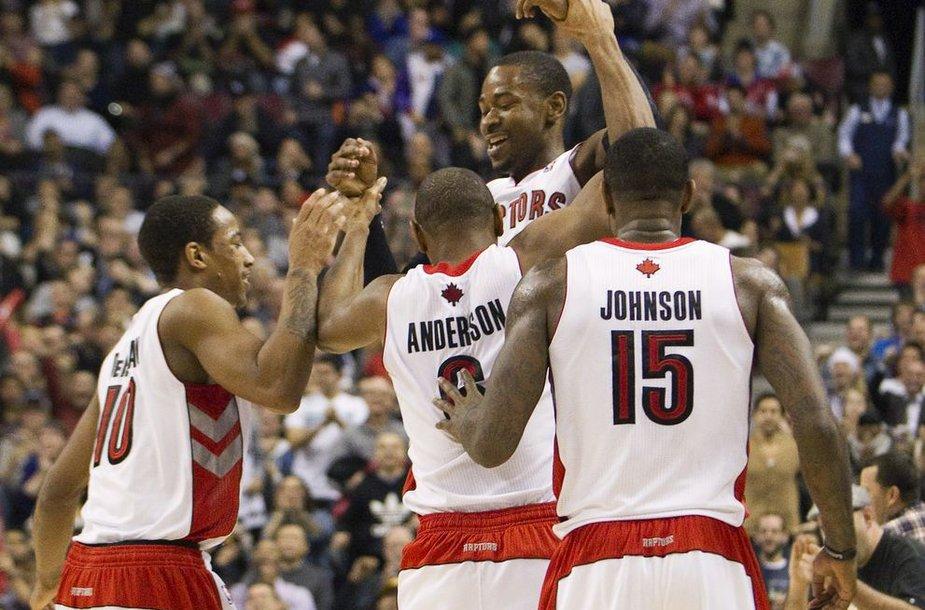 """""""Toronto Raptors"""" krepšininkai po aštuonerių tarpusavio pralaimėtų mačų galiausiai įveikė """"Trail Brlazers"""""""
