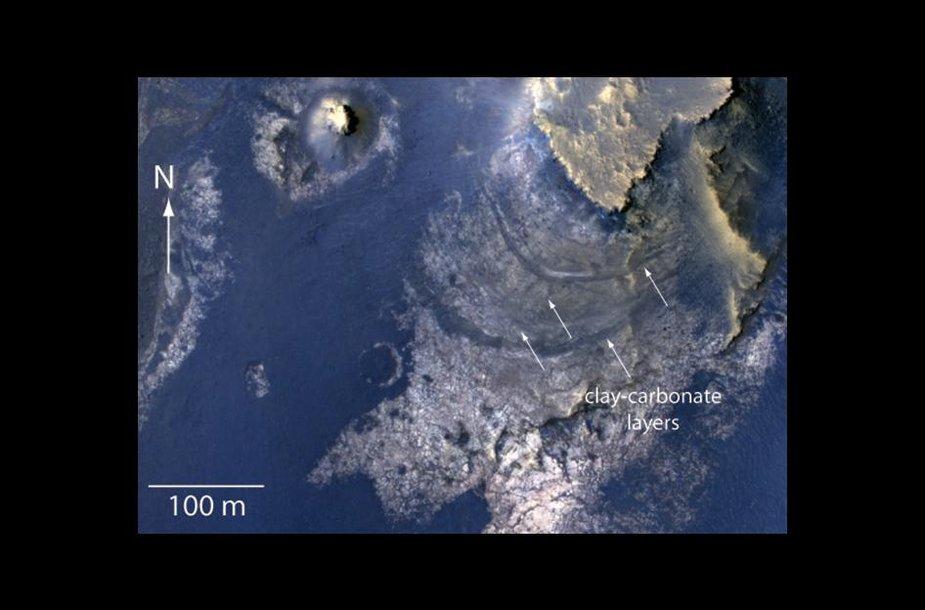 Marso paviršiuje esantis McLaughlino krateris gali suteikti naudingos informacijos apie gyvybę šioje planetoje