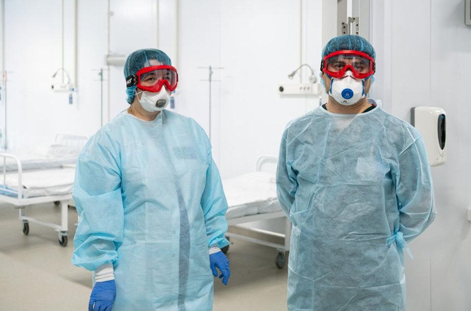 Rusijos medikų darbas per koronaviruso epidemiją šalyje